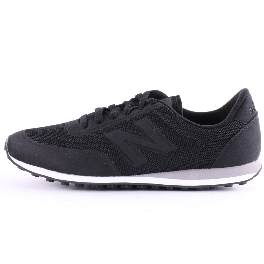 all black new balance trainers